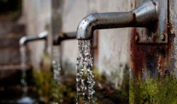 Tanti piccoli gesti per risparmiare sull'acqua